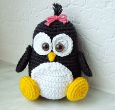 Patroon Pinguin... (gratis). Finished making this little cute toy. Translate instructions in Google Translate.