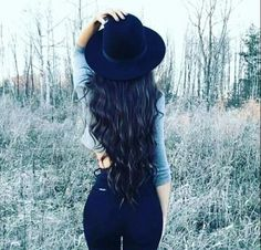 Want to add length and volume? Don't want to risk the potential damage to your hair? Then HoneyLocks is for you as its 100% Non-Damaging to your existing natural hair. Honey locks uses a brand new Hair Extension application technique never seen before! #HoneyLocks #honeylockshairextensions #honeylockshair #hairextensions#longhair #beautiful #beachy #texture #women #womensfashion #style #instagood