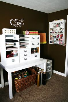 I want a craft room and I want it to be this organized :)