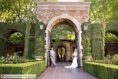 Villa Siena's arches and gardens make for the perfect picture location!