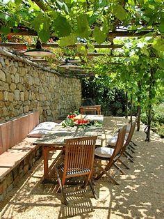 Afbeeldingsresultaat voor pergola against house vines