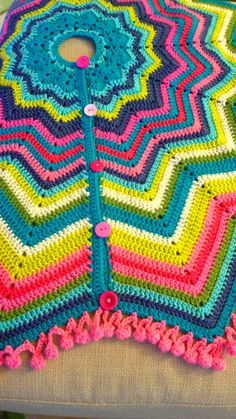 Love this tree skirt from onceuponapinkmoon.blogspot.com. She provides a link to the pattern she used.