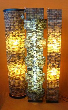 Luminárias de coluna da coleção de Rosely Ferraiol, em filtro de café reciclado