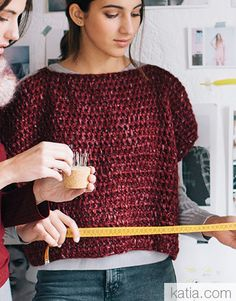 Book Beginners Easy Knits 6 Autumn / Winter | 7: Woman Sweater | Wine red