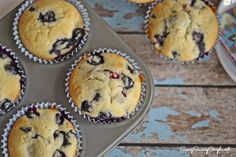 The Perfect Summer Baked Treat: Easy Blueberry Muffin Recipe! #blueberries #muffins #summertreats