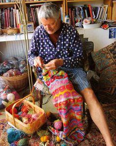 Designer Kaffe Fassett knitting