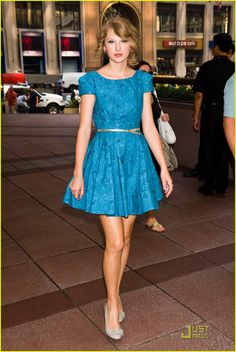 taylor swift | Taylor Swift arrives at an office building in midtown Manhattan after ...