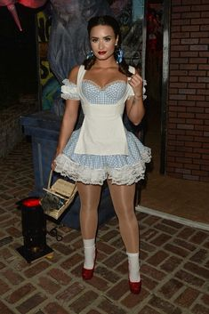 Demi Lovato - Attending a Halloween Party in Los Angeles Celebrity Halloween Costumes, Halloween Outfits, Halloween Party, Halloween Photos, Costume Halloween, Vintage Halloween, Cute Costumes, Costumes For Women, Demi Lovato