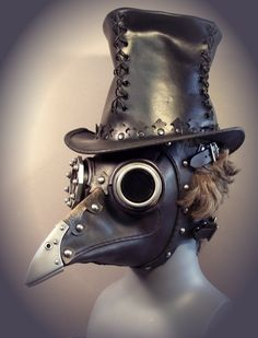Beulenpest, a steampunk plague doctor's mask Moda Steampunk, Style Steampunk, Steampunk Mask, Steampunk Fashion, Steampunk Bird, Steampunk Crafts, Victorian Fashion, Gothic Fashion, Plague Mask