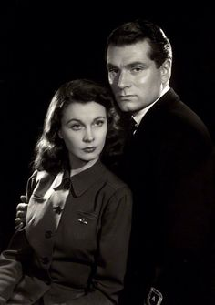 Sir Laurence Olivier & his wife, Vivien Leigh - iconic Hollywood power couple Hollywood Couples, Hollywood Cinema, Vintage Hollywood, Hollywood Glamour, Hollywood Stars, Classic Hollywood, Celebrity Couples, Vivien Leigh, Movie Couples