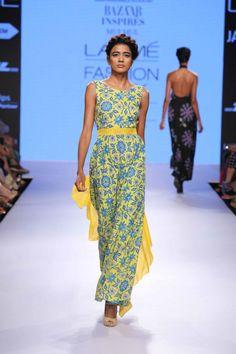 Lakmé Fashion Week – HARPER'S BAZZAR INSPIRES MULMUL AT LFW SR 2015