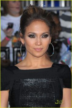Here are several best Jennifer Lopez Hairstyles we have prepared available for you. It's quite pretty. Hurry to submit this gallery response. Your feedback are useful to us. Cameron Boyce Parents, Lopez Show, Pictures Of Jennifer Lopez, Just Jared Jr, Plastic Surgery, Shawn Mendes, Hair Trends, Style Icons, All About Time