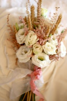 Bridal bouquet by Oliv Events in Sibiu, Romania #weddingflowers #rusticweddingbouquet