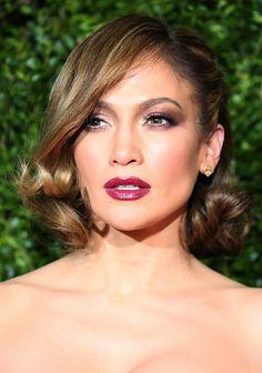 Jennifer Lopez's old Hollywood glamour beauty look