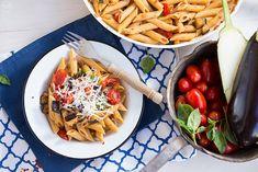 8 συνταγές με μελιτζάνες εποχής στα καλύτερά τους - madameginger.com Pasta Salad, Stuffed Peppers, Ethnic Recipes, Salt, Food, Image, Crab Pasta Salad, Stuffed Pepper, Eten