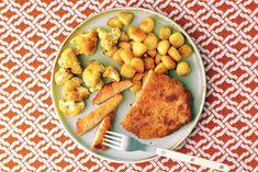 Een heerlijke AVG-klassieker met geroosterde kerriebloemkool - Recept - Allerhande 20 Min, Cantaloupe, Fruit, Ethnic Recipes, Easy, Food, Budget, Vegetarian Wraps, Essen