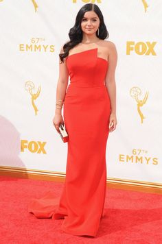 Ariel Winter aux Emmy Awards 2015 Ariel Winter portait une robe Romona Keveza.  © Abaca