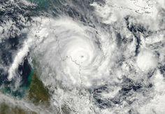 Power, water shortages as Cyclone Ita stalks Australia