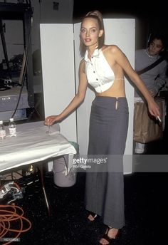 Model Amber Valletta attends the 1997 Spring Fashion Week Todd Oldham Fashion Show on October 29 1996 at Bryant Park in New York City New York 2000s Fashion, Fashion 2020, Runway Fashion, Spring Fashion, High Fashion, Fashion Show, Fashion Outfits, Fashion Design, Haute Couture Style