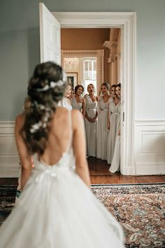51 best bridesmaids photos you should make rustic wedding photography inspiration Wedding Picture Poses, Wedding Photography Poses, Professional Wedding Photography, Photography Lessons, Funny Wedding Poses, Wedding Posing, Photography Styles, Lesbian Wedding, Portrait Photography