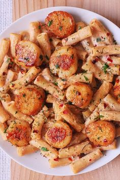 Creamy Mozzarella Scallop Pasta is one of the best pasta recipes you'll ever try! Finger-licking good, easy-to-make, and your scallops will have the perfect texture! My favorite way to cook scallops is to sear them Best Scallop Recipe, Shrimp And Scallop Recipes, Easy Scallop Recipes, Recipes With Scallops, Best Pasta Recipes, Fish Recipes, Seafood Recipes, Cooking Recipes, Clam Recipes