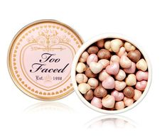 Sweetheart Beads Radiant Glow Face Powder: um lançamento super fofo da Too Faced!