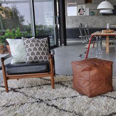 Produkten Skinnpuff säljs av Wallboe Interior i vår Tictail-butik. Tictail låter dig skapa en snygg nätbutik helt gratis - tictail.com