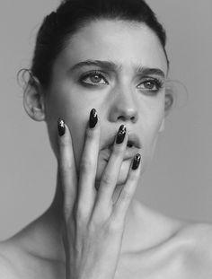 wonderland-2 ph Phil Dunlop Wonderland, Black And White, Rings, Ph, Beauty, Jewelry, Jewlery, Bijoux, Black White