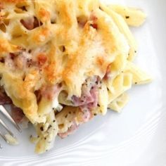 Paste la cuptor cu sunca si branza Casserole Recipes, Pasta Recipes, Cooking Recipes, Healthy Meal Prep, Healthy Recipes, Salad Cake, Hungarian Recipes, Hungarian Food, Penne