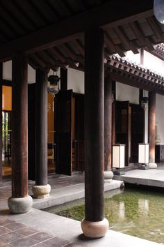 Asian Architecture, Vernacular Architecture, Interior Architecture, Chinese Buildings, Hawaiian Homes, Courtyard House, Indochine, Ideal Home, Traditional House