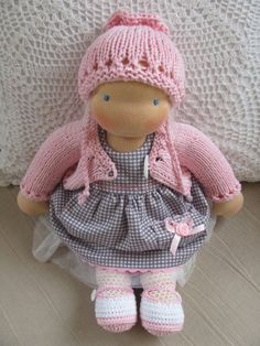 I want to make a Waldorf doll the size of a newborn so I can use my baby's clothes for her doll!
