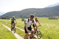 's Zomers is Sonneplateau Mieming dé bestemming voor liefhebbers van hiken en biken. Huur een mountainbike en ontdek de routes!
