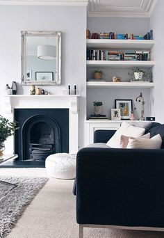 Most Design Ideas 25 Victorian Living Room Design Ideas Pictures, And Inspiration – Modern House Living Room Grey, Home Living Room, Living Room Designs, Living Room Decor, Dining Room, Alcove Ideas Living Room, Decoration Salon Photo, Style At Home, Victorian Living Room