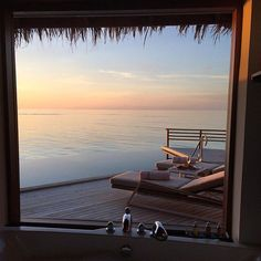 HOLY MOLY. Talk about a tub with a view…