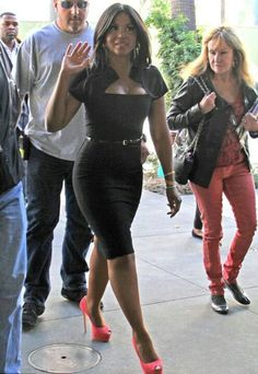 Celebrity Gossip: Toni Braxton Is Hot Sexy And Awesome! Foreign Celebrities, Black Celebrities, Celebs, Toni Braxton, Black Sistas, Celebrity Gossip, Celebrity Babies, Petite Women, Beautiful Black Women