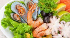 Role of Seafood in Brain Development Brain Health, Prawn, Types Of Food, Fresh Rolls, Sushi, Seafood, Ethnic Recipes, Drink, Sea Food