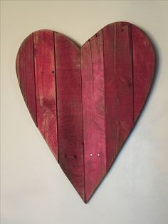 Reclaimed wood - made from pallets - Be my Valentine