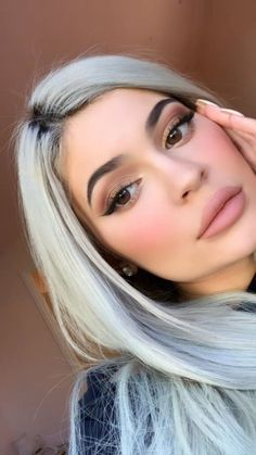 Kylie Jenner jenner makeup, - Skin beauty is one of the most sensitive ar. - Kylie Jenner jenner makeup, – Skin beauty is one of the most sensitive areas for women. Kylie Jenner Makeup Look, Nails Kylie Jenner, Kylie Jenner Face, Estilo Kylie Jenner, Kardashian Jenner, Makeup Eyeshadow, Eyeliner, Eyeshadow Ideas, Eyeshadows