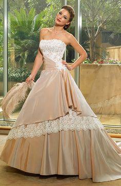 Barevné svatební šaty: Buďte jedinečná! (http://www.modablog.cz)