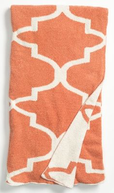 Moroccan-inspired throw  http://rstyle.me/n/mwc7epdpe