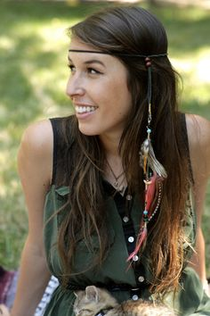 I really love feather headbands and it would give another dimension to this look making it more hippie! I love mixing trends together.