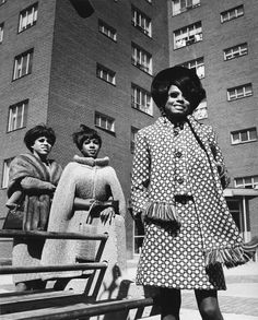 Vintage Snapshot: Diana Ross and The Supremes ~ Mary Wilson, and Florence Ballard. One of THE most influential musical forces of their time and a definite favorite of mine ♥ Diana Ross, Rock N Roll, Pop Rock, Soul Music, My Music, Divas, The Jackson Five, Mary Wilson, Jazz