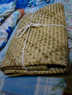 banig - Google Search Luau, Philippines, Hand Weaving, Burlap, Reusable Tote Bags, Gym, Google Search, Hand Knitting, Hessian Fabric