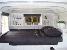 Would be an awesome bed in camping trailer.
