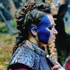 astrid, tattoo, and vikings Bild Viking Braids, Viking Hair, Vikings Tv Series, Vikings Tv Show, Viking Makeup, Katheryn Winnick Vikings, Warrior Makeup, Shield Maiden, Ragnar Lothbrok