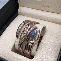 59330c0c891 Relógio Bvlgari Serpenti Tubogaz - Dourado - Mostrador Escuro - Réplica  Premium AAA