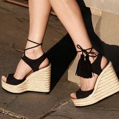 15f774e98cd0 Vedi la foto di Instagram di  paulandrew • Piace a 237 persone Platform  Wedge Sandals