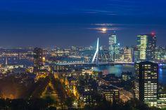 Nieuw in mijn Werk aan de Muur shop: Full moon over Rotterdam