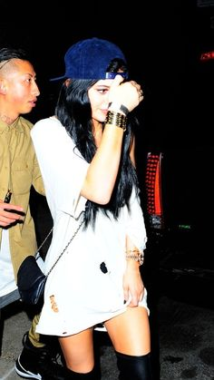 September 2014 - Kylie Jenner leaving Alexander Wangs Party in NYC. Kyle Jenner, Kendall And Kylie Jenner, Kylie Jenner Grunge, News Fashion, Fashion Killa, Fashion Styles, Le Style Du Jenner, Bae, Kardashian Jenner
