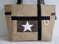 Modèle unique. Ce joli cabas/sac à main original en toile de jute est doublé en toile enduite léopard. Il est réversible. Il se porte à la main ou sur l'épaule. Il est à fo - 11231037